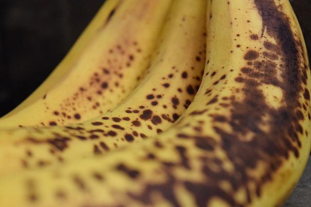 zombie banana, brown banana, banana spots, rice, blow dryer, mushy banana