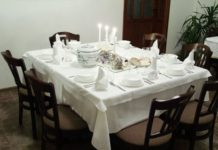 Monkey Pickles, Daily Peel, dinner party ideas, how to throw a dinner party, sending invitations