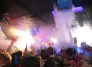 How To Make Foam, How To Make, Foam, Foam Party, Soap, Funny Articles