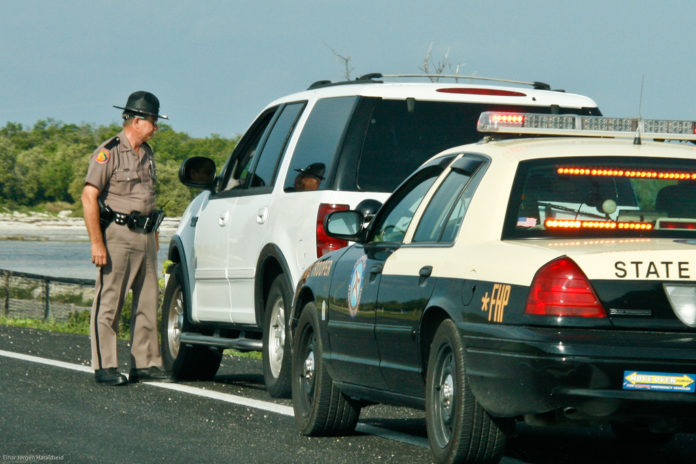 pulled over by state trooper Funny Joke of the Day, funny jokes, best jokes, cop jokes